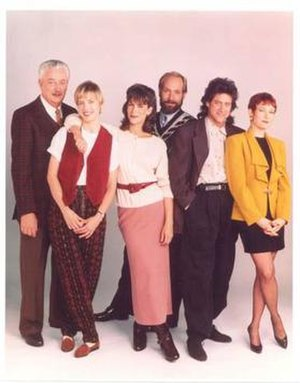 Anything but Love - Anything but Love second-season cast. From left: Joseph Maher, Holly Fulger, Jamie Lee Curtis, Richard Frank, Richard Lewis, Ann Magnuson.