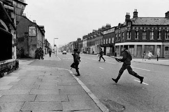 Battle of Lenadoon - Image: British Soldier in Lenadoon Avenue