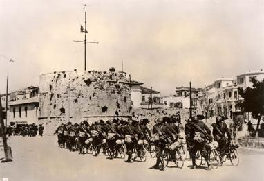 Durazzo, Albania, April 1939, Italian soldiers entering the city