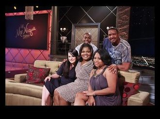 The Parkers - The cast of The Parkers on The Mo'Nique Show: (l-r) Ken Lawson, Dorien Wilson (back row), Jenna von Oÿ, Mo'Nique and Countess Vaughn (front row)
