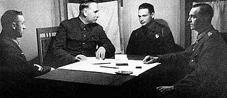 Friedrich Paulus - Paulus' interrogation at Don Front HQ: Gen. Rokossovsky, Marshal Voronov, translator Nikolay Dyatlenko and Paulus (left to right)