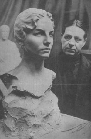 Haig Patigian - Newspaper clipping of Haig Patigian standing next to his bust of Helen Wills, October 1928