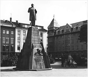 Icelanders - Statue of Jón Sigurðsson in Reykjavík