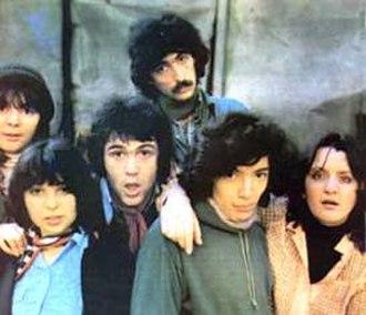 Suncokret - Suncokret in 1976, from left to right: Gorica Popović, Bilja Krstić, Bora Đorđević, Bata Sokić, Nenad Božić and Snežana Jandrlić