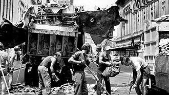 Sydney Hilton Hotel bombing - Image: Sydney Hilton Bombing Clean Up
