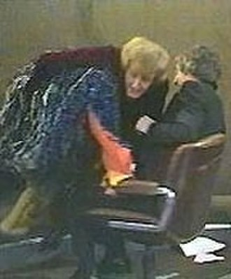 Parkinson (TV series) - Emu goes for the host