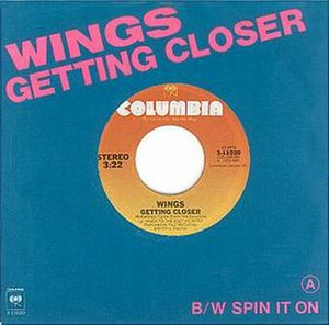 Getting Closer (song) - Image: Wings Getting Closer single cover