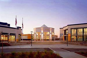 Heritage High School (Brentwood, California) - Image: Heritagehighrotunda