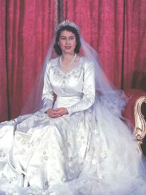 Wedding dress of Princess Elizabeth - Image: Queen Elizabeth wedding dress