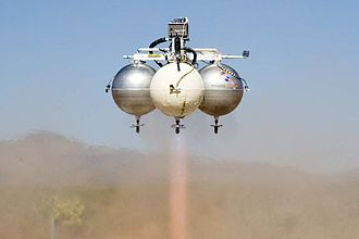 Armadillo Aerospace - Pixel attempting level 1- white tanks are insulated and contain liquid oxygen, grey tanks contain ethanol