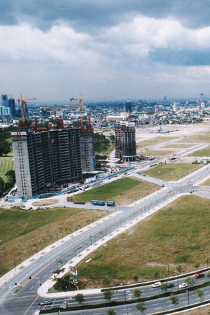 Pacific Plaza Towers - Image: Pacific Plaza in 1999