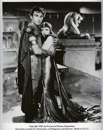 Henry Wilcoxon - Henry Wilcoxon and Claudette Colbert in Cleopatra (1934)
