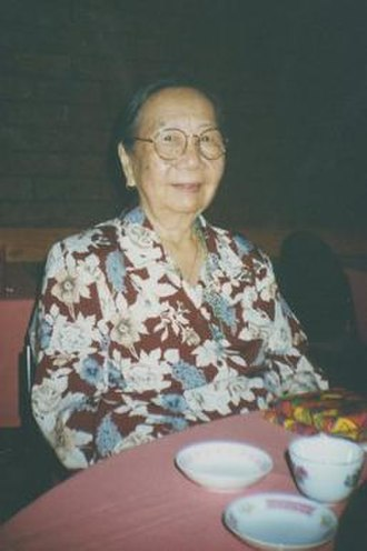 Lily Ah Toy - Image: Lily Ah Toy at table