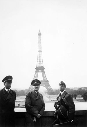 Arno Breker - Adolf Hitler in Paris, 1940, with Albert Speer (left) and Arno Breker (right)