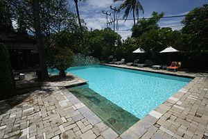 Blue-water-pool