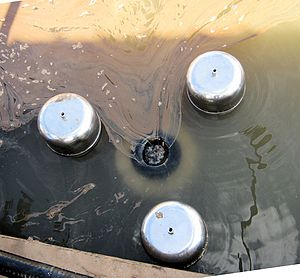 Skimmer (machine) - Industrial weir type oil skimmer