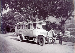 ALSA (bus company) - A Saurer coach of the line Oviedo-Cangas del Narcea in 1923