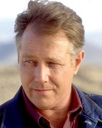 "J. T. Walsh - Still of J.T. Walsh as Warren ""Red"" Barr in Breakdown (1997)"