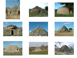 Trullo - Other areas of Apulia have dry stone huts that were used as temporary shelters by peasants; the photographs show some examples of these in the National Park of Alta Murgia.