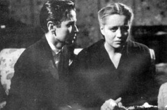 A Woman Without Love - Screenshot from Una mujer sin amor, Javier Loya and Rosario Granados.