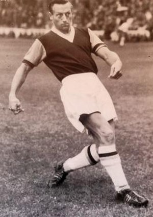 1954–55 Brentford F.C. season - Forward Billy Dare joined Second Division club West Ham United for a £10,000 fee in January 1955.