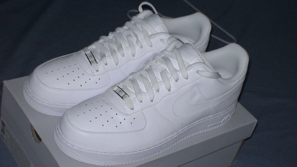 Nike air force 1 white low on feet