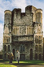 Norman Tower front - Malling Abbey.jpg
