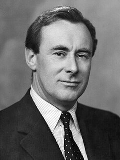 Stephen Hastings British war hero, MI6 operative, author and British Conservative Party politician