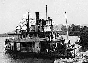 Bonita (sternwheeler 1900) - Metlako, at the Cowlitz River levee, circa 1923