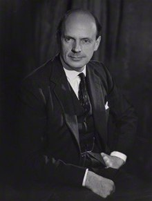 Sir Martin Charteris in 1962.jpg