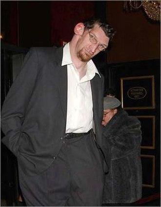 Matthew McGrory - McGrory at the world premiere of Big Fish in 2003