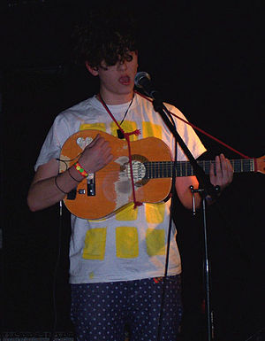 Micachu - Performing in New York City, October 2008