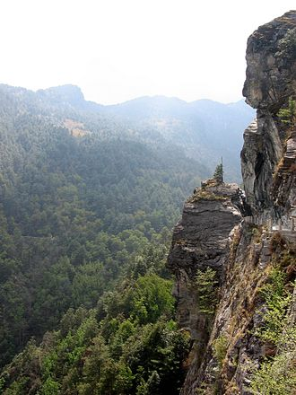 Cang Mountain - Along the southern route of the Jade-Cloud Road