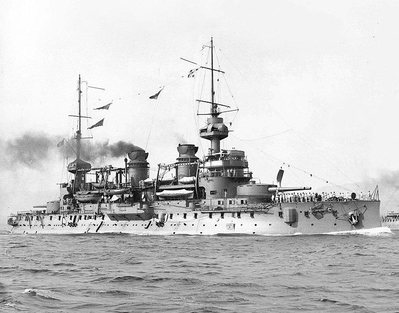 الحرب ال - الحرب العالميه الاولى 800px-French_battleship_Gaulois_%281896%29