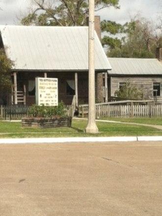 Nederland, Texas - La Maison Des Acadiens house