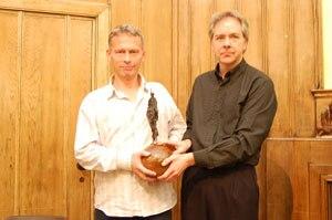 Media Lens - David Edwards and David Cromwell of Media Lens receive the Gandhi Foundation Peace Award, 2 December 2007