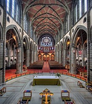 Christ Church Cathedral (Victoria, British Columbia) - Interior view facing west, toward organ gallery and rose window