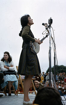 Hedy West performing at the Newport Folk Festival, 1964.jpg