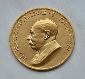 Kamerlingh Onnes Award - Picture of the golden Kamerlingh Onnes medal.