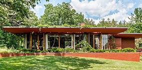Lowell Walter House, June 2015.jpg