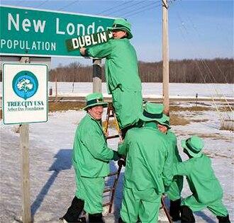 New London, Wisconsin - Image: New Dublin leprechauns