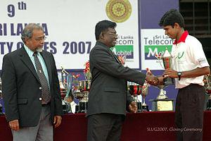 Sarath Amunugama - SLUG2007, Prof Amunugama (left) at the Closing Ceremony of the Sri Lanka University Games.