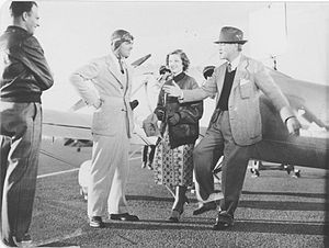 Test Pilot (film) - Gable and Loy acted alongside the racing aircraft of the day.