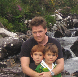 Donal Logue - Logue with his children in Ireland in 2007