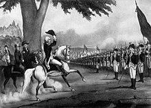 Gravura de um homem uniformizado em um cavalo branco levantando seu chapéu enquanto o cavalo se move em direção a uma linha de soldados