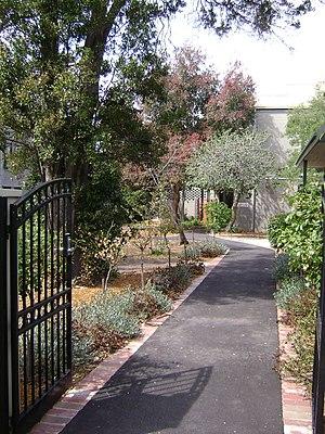 Ridley College (Melbourne) - Image: Ridleymelbourne entrance