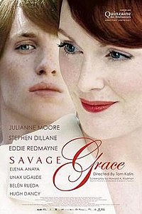 Julianne Moore really has a creepy hot thing going on here...