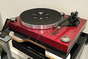 Roksan Audio - Xerxes.20plus turntable with Tabriz Zi arm
