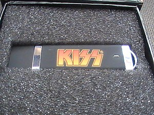 Kiss Sonic Boom Over Europe - The USB stick featuring live tracks.