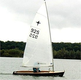 Phantom 925 sailing at Burghfield Sailing Club.jpg